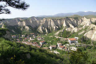 On 5th October smallest city in Bulgaria – Melnik will gather many guests from the country and foreign country for the traditional festival dedicated to the vintage